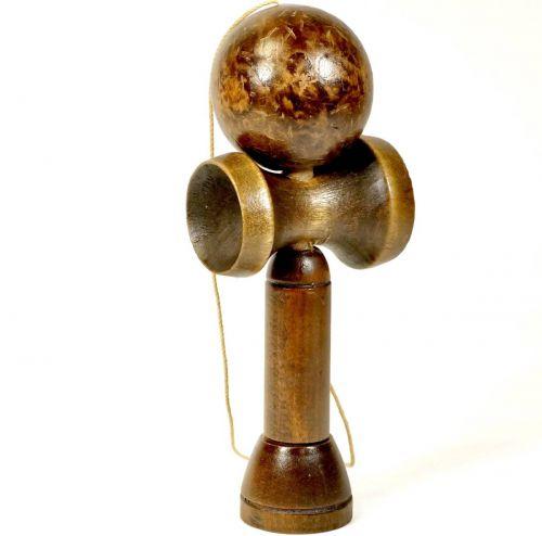 昭和ビンテージ剣玉けん玉玉の直径6cm全高さ19cm飴色が美しい昭和レトロなけん玉